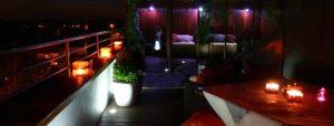 Projektowanie tarasów i ogrodów. Kolorowe oświetlenie tarasu.